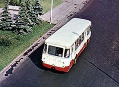 ЛиАЗ-677наплощадиБрежнева