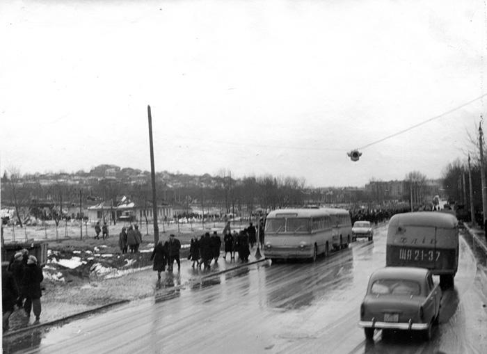 На ул. Фрунзе восстановлено движение общественного транспорта